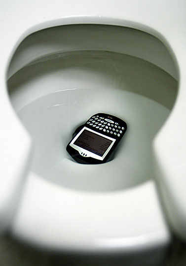 cellphone-toilet